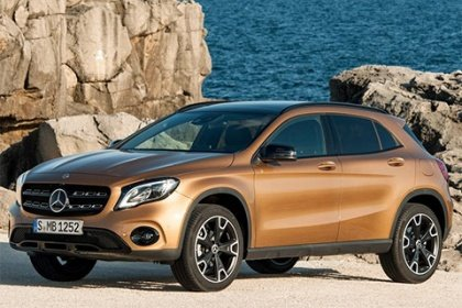 Mercedes-Benz GLA 220 d 4MATIC 200 AT